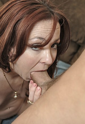 Hot Moms Deepthroat Porn Pictures
